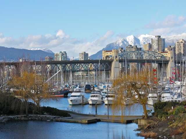"""Main Photo: 207 1515 W 2ND Avenue in Vancouver: False Creek Condo for sale in """"ISLAND COVE"""" (Vancouver West)  : MLS®# V952664"""