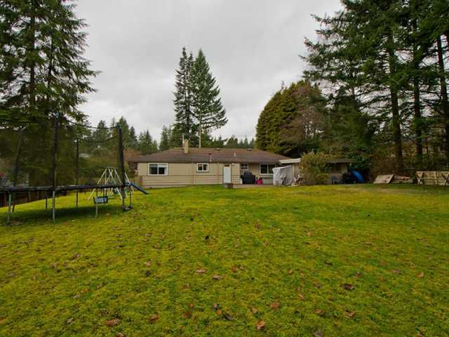 Main Photo: 920 3RD Street in West Vancouver: Cedardale House for sale : MLS®# V993230