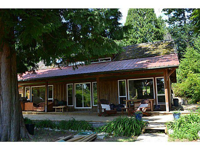 "Photo 1: Photos: 8020 REDROOFFS Road in Halfmoon Bay: Halfmn Bay Secret Cv Redroofs House for sale in ""REDROOFFS ROAD"" (Sunshine Coast)  : MLS®# V1014108"