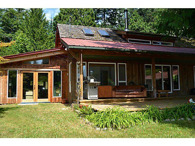 "Photo 3: Photos: 8020 REDROOFFS Road in Halfmoon Bay: Halfmn Bay Secret Cv Redroofs House for sale in ""REDROOFFS ROAD"" (Sunshine Coast)  : MLS®# V1014108"