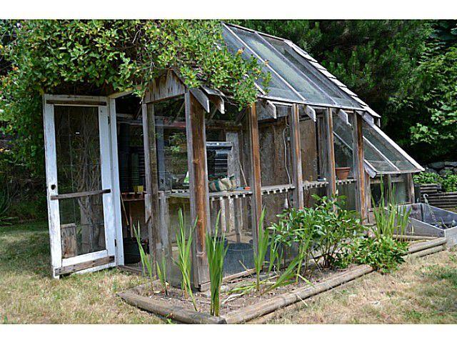 "Photo 13: Photos: 8020 REDROOFFS Road in Halfmoon Bay: Halfmn Bay Secret Cv Redroofs House for sale in ""REDROOFFS ROAD"" (Sunshine Coast)  : MLS®# V1014108"