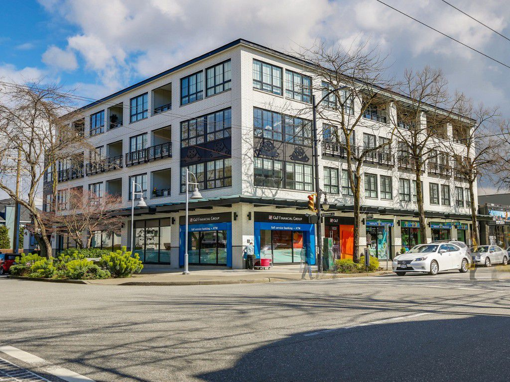 Main Photo: PH3 2468 Bayswater in Vancouver: Condo for sale