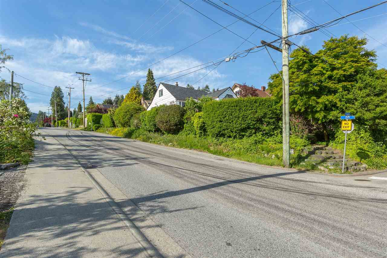 Main Photo: 1091 CLYDE AVENUE in West Vancouver: Sentinel Hill House for sale : MLS®# R2072228