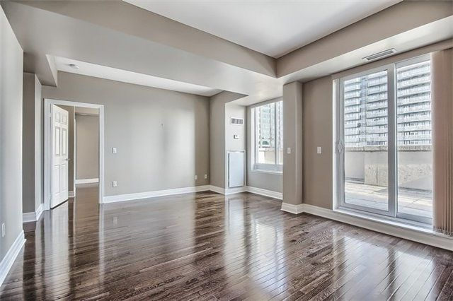 Main Photo: 35 Balmuto St Unit #2304 in Toronto: Bay Street Corridor Condo for lease (Toronto C01)  : MLS®# C3705403