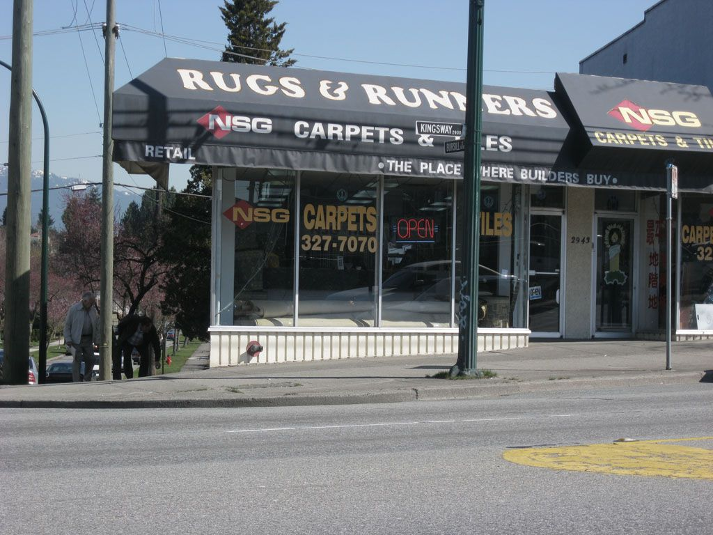 Main Photo: 2943 Kingsway in Vancouver: Home for lease