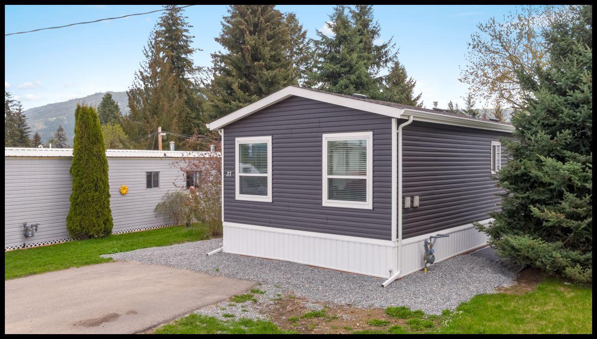 Main Photo: 37 3350 Northeast 10 Avenue in Salmon Arm: EVERGREEN MHP House for sale (NE Salmon Arm)  : MLS®# 10181497