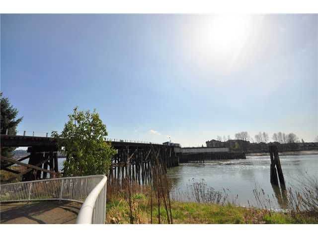 "Main Photo: 1501 8 LAGUNA Court in New Westminster: Quay Condo for sale in ""THE EXCELSIOR"" : MLS®# V999109"