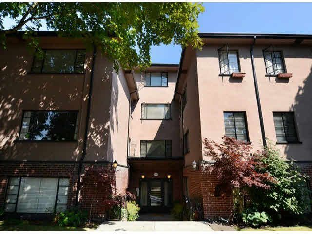"""Main Photo: 107 2105 W 47TH Avenue in Vancouver: Kerrisdale Condo for sale in """"Kerrisdale Apartments"""" (Vancouver West)  : MLS®# V1081794"""