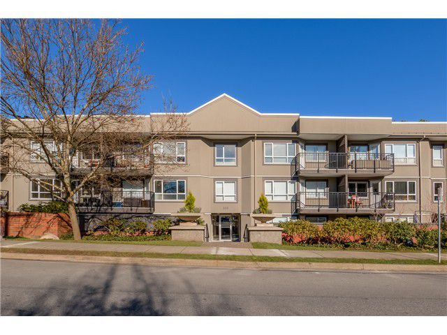 Main Photo: # 208 555 W 14TH AV in Vancouver: Fairview VW Condo for sale (Vancouver West)  : MLS®# V1119686