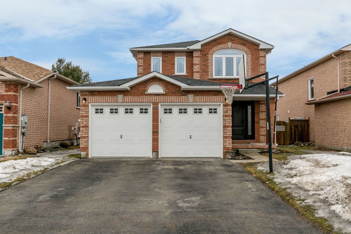 Main Photo: 50 Coughlin in Barrie: Holly Freehold for sale : MLS®# 30721124
