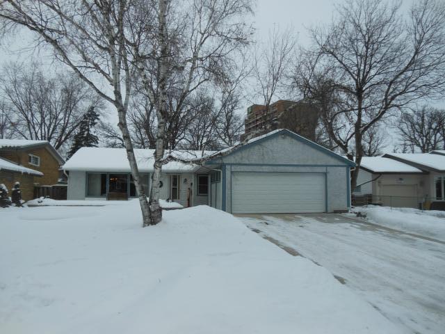 Main Photo: 2531 Assiniboine Crescent in WINNIPEG: St James Residential for sale (West Winnipeg)  : MLS®# 1300064