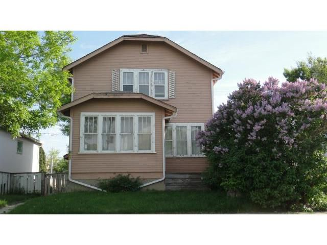 Main Photo: 1486 Pacific Avenue West in WINNIPEG: Brooklands / Weston Residential for sale (West Winnipeg)  : MLS®# 1312408