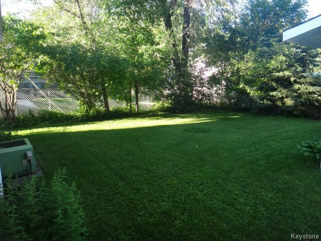 Photo 3: Photos: 135 Old Mill Road in WINNIPEG: St James Residential for sale (West Winnipeg)  : MLS®# 1416292