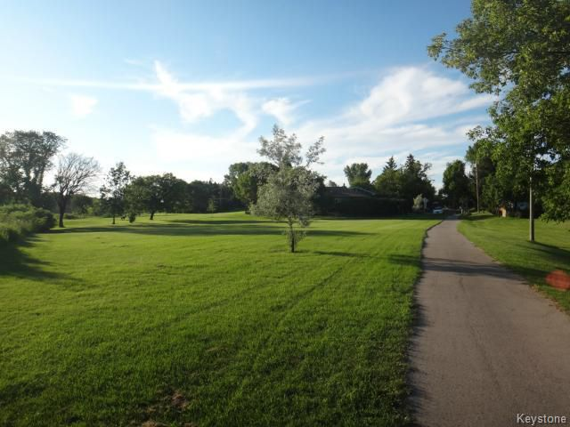 Photo 16: Photos: 135 Old Mill Road in WINNIPEG: St James Residential for sale (West Winnipeg)  : MLS®# 1416292