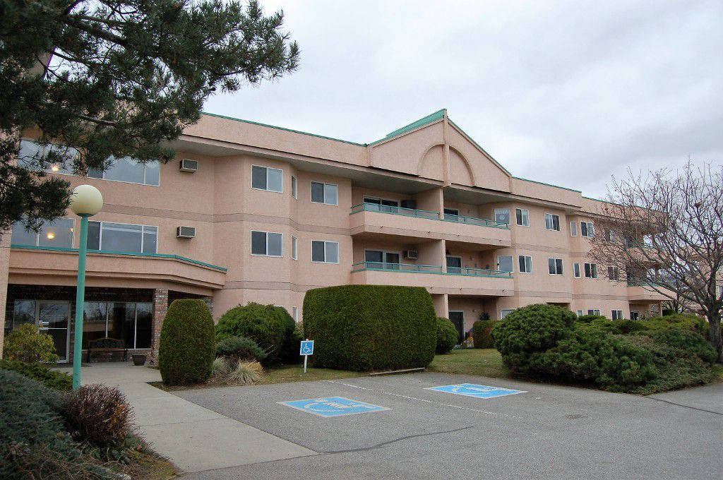 Main Photo: 107 8905 Pineo Court in Summerland: Main Town Multi-family for sale : MLS®# 165752