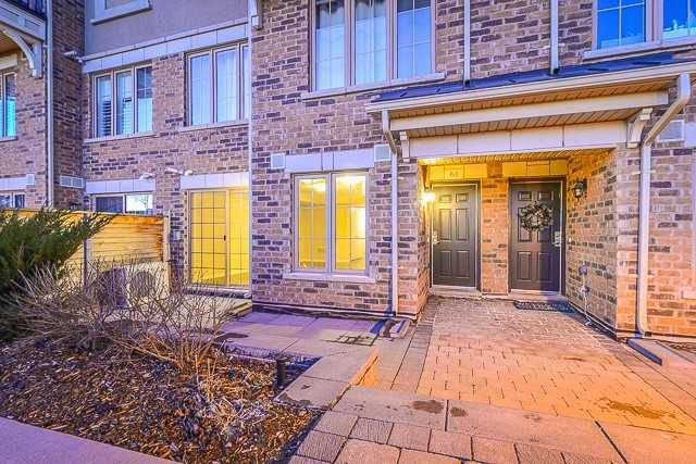 Main Photo: 2441 Greenwich Dr Unit #61 in Oakville: West Oak Trails Condo for sale : MLS®# W4330914