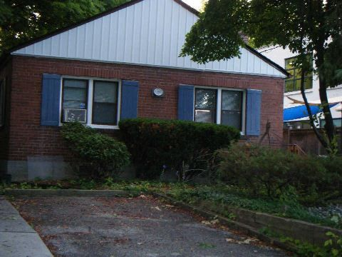 Main Photo:  in Toronto: Leaside House (Bungalow) for lease (Toronto C11)  : MLS®# C2994488
