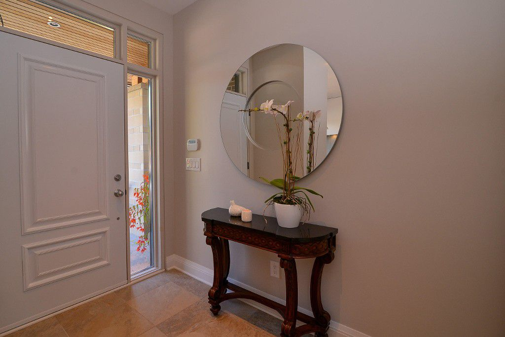 Photo 4: Photos: : House for sale : MLS®#  887388