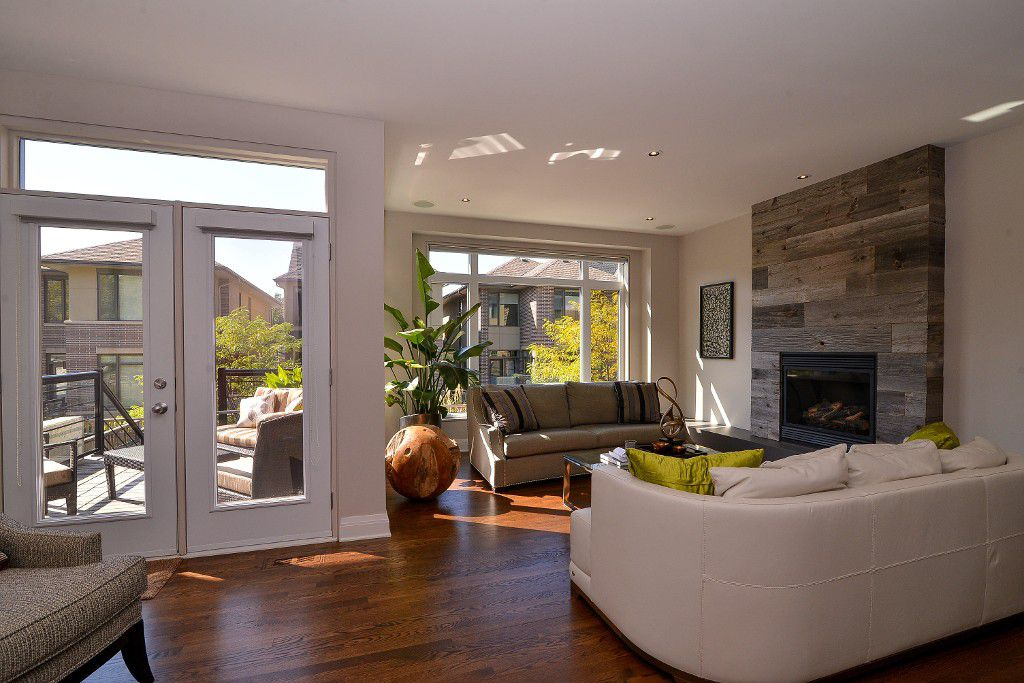 Photo 5: Photos: : House for sale : MLS®#  887388