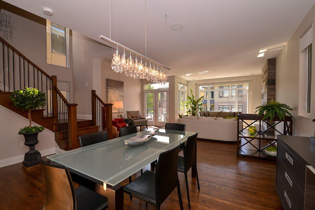 Photo 7: Photos: : House for sale : MLS®#  887388