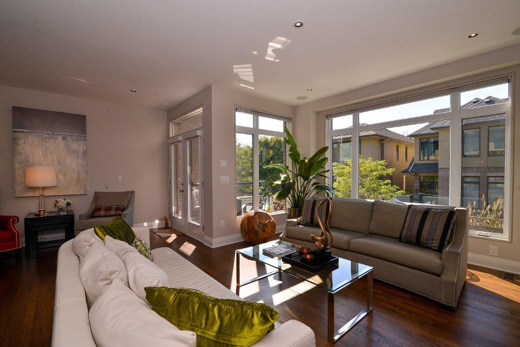Photo 6: Photos: : House for sale : MLS®#  887388