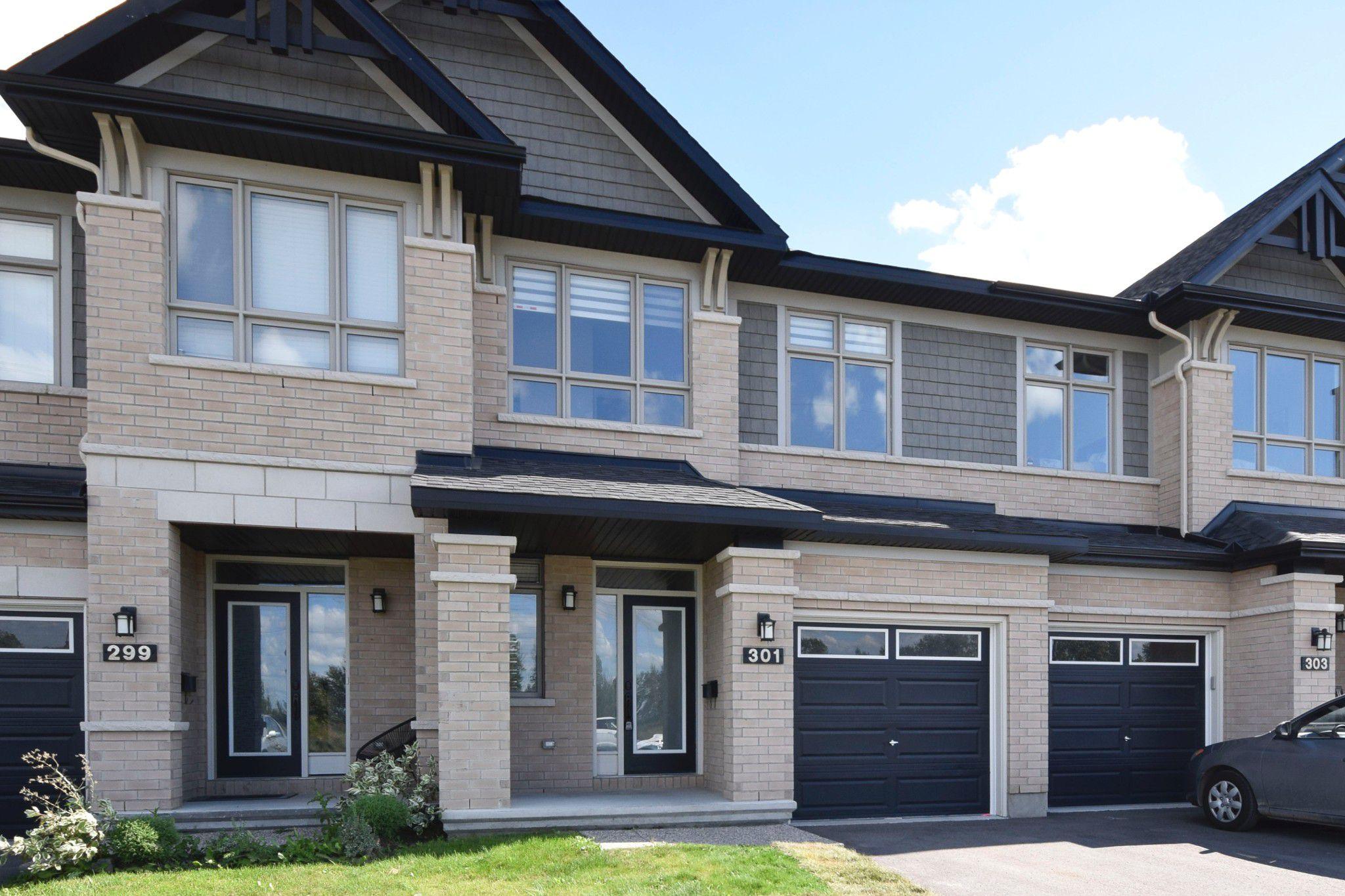 Photo 2: Photos: 301 Livery Street Stittsville Ottawa ON 255