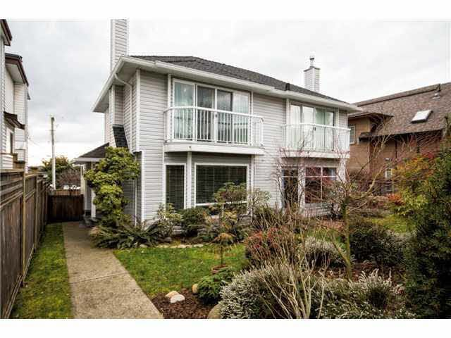 Main Photo: 1 253 W 5TH STREET in : Lower Lonsdale House 1/2 Duplex for sale : MLS®# V1054874