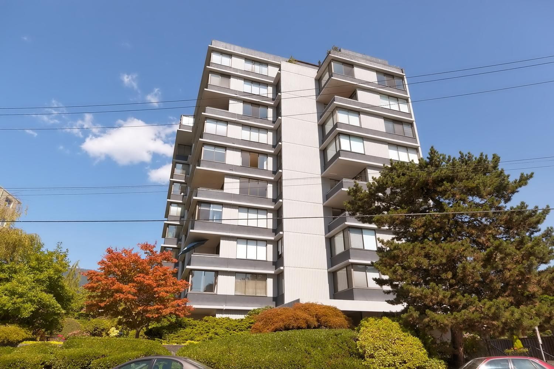 Main Photo: 701 2167 Bellevue Avenue in West Vancouver: Condo  : MLS®# R2301149