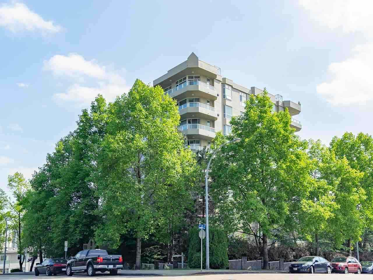 Main Photo: 302 412 TWELFTH STREET in New Westminster: Uptown NW Condo for sale : MLS®# R2325376