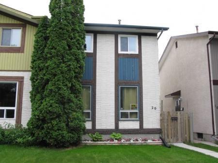 Main Photo: Beautiful 3 Bedroom Side by Side