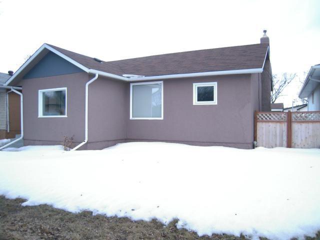 Main Photo: 340 Margaret Avenue in WINNIPEG: West Kildonan / Garden City Residential for sale (North West Winnipeg)  : MLS®# 1307009