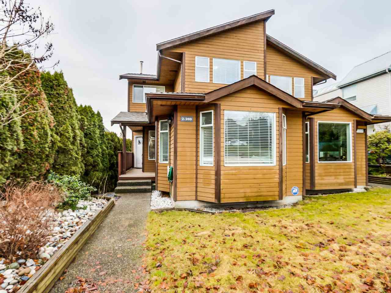 Photo 2: Photos: 2 269 E KEITH ROAD in North Vancouver: Lower Lonsdale House 1/2 Duplex for sale : MLS®# R2025742