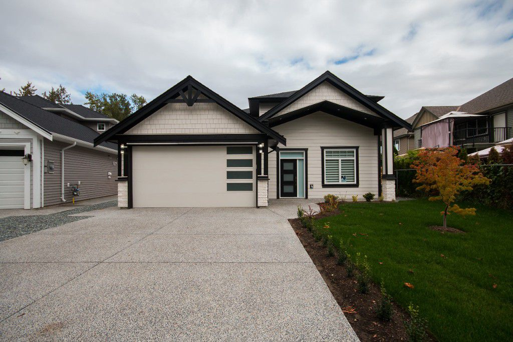 Main Photo: 27247 33B Ave in Aldergrove: Aldergrove Langley House for sale (Langley)  : MLS®# R2112035