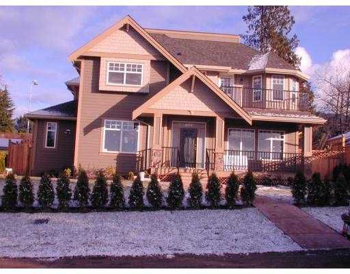 Main Photo: 326 W 24TH ST in North Vancouver: Central Lonsdale House for sale : MLS®# V576781