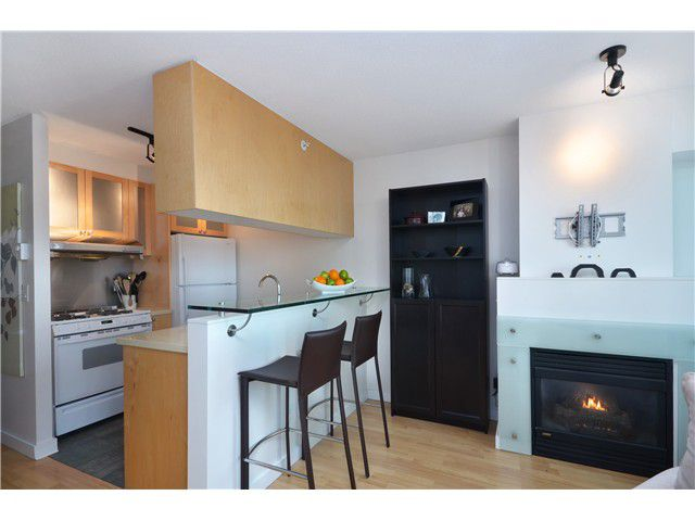 """Main Photo: 906 1003 BURNABY Street in Vancouver: West End VW Condo for sale in """"MILANO"""" (Vancouver West)  : MLS®# V996614"""