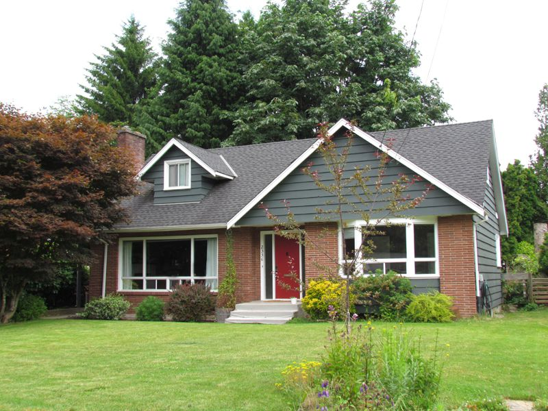 Main Photo: 2336 Clarke Drive in Abbotsford: House for rent