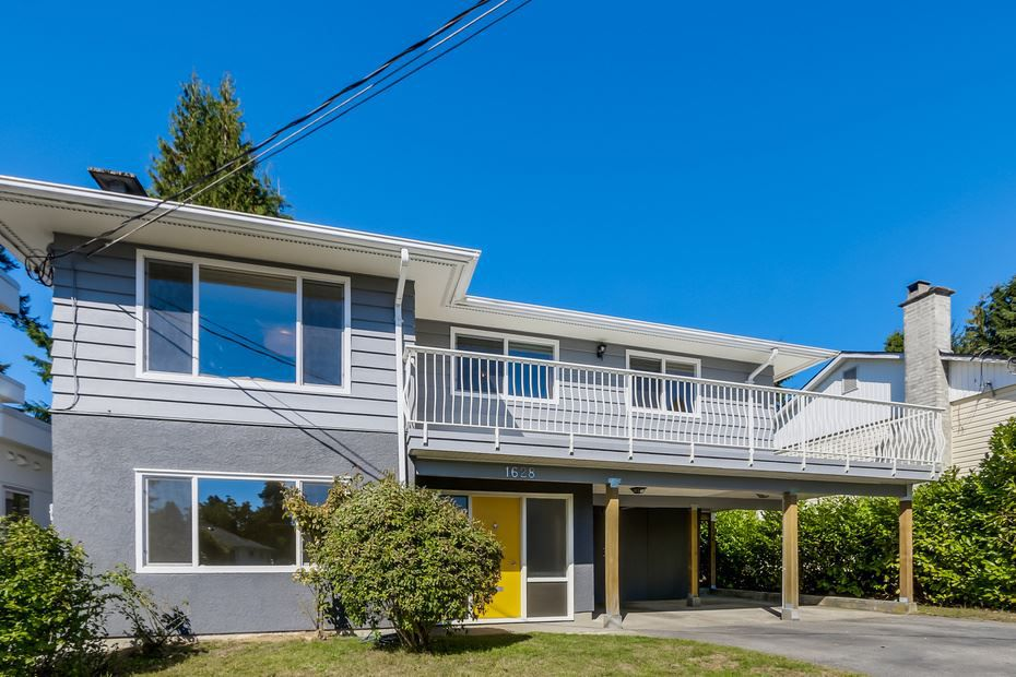 Main Photo: 1628 Westover Road in North Vancouver: Lynn Valley House for sale : MLS®# V1143591