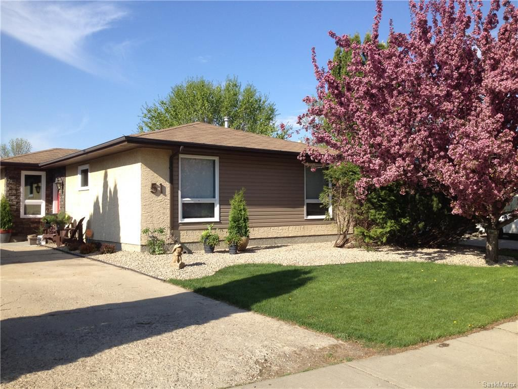Main Photo: 51 EDENWOLD CRES in Regina: Walsh Acres Single Family Dwelling for sale (Regina Area 01)  : MLS®# 603408