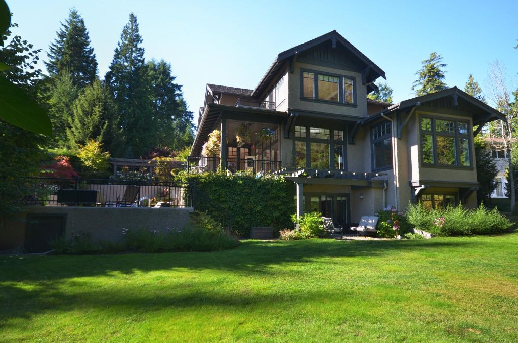 Main Photo: 356 Southborough Drive, West Vancouver