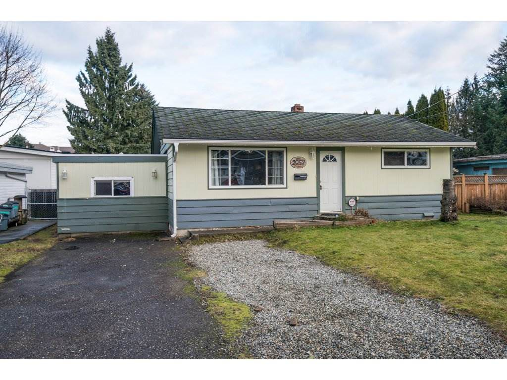 Main Photo: 2052 Vinewood St in Abbotsford: Central Abbotsford House for rent