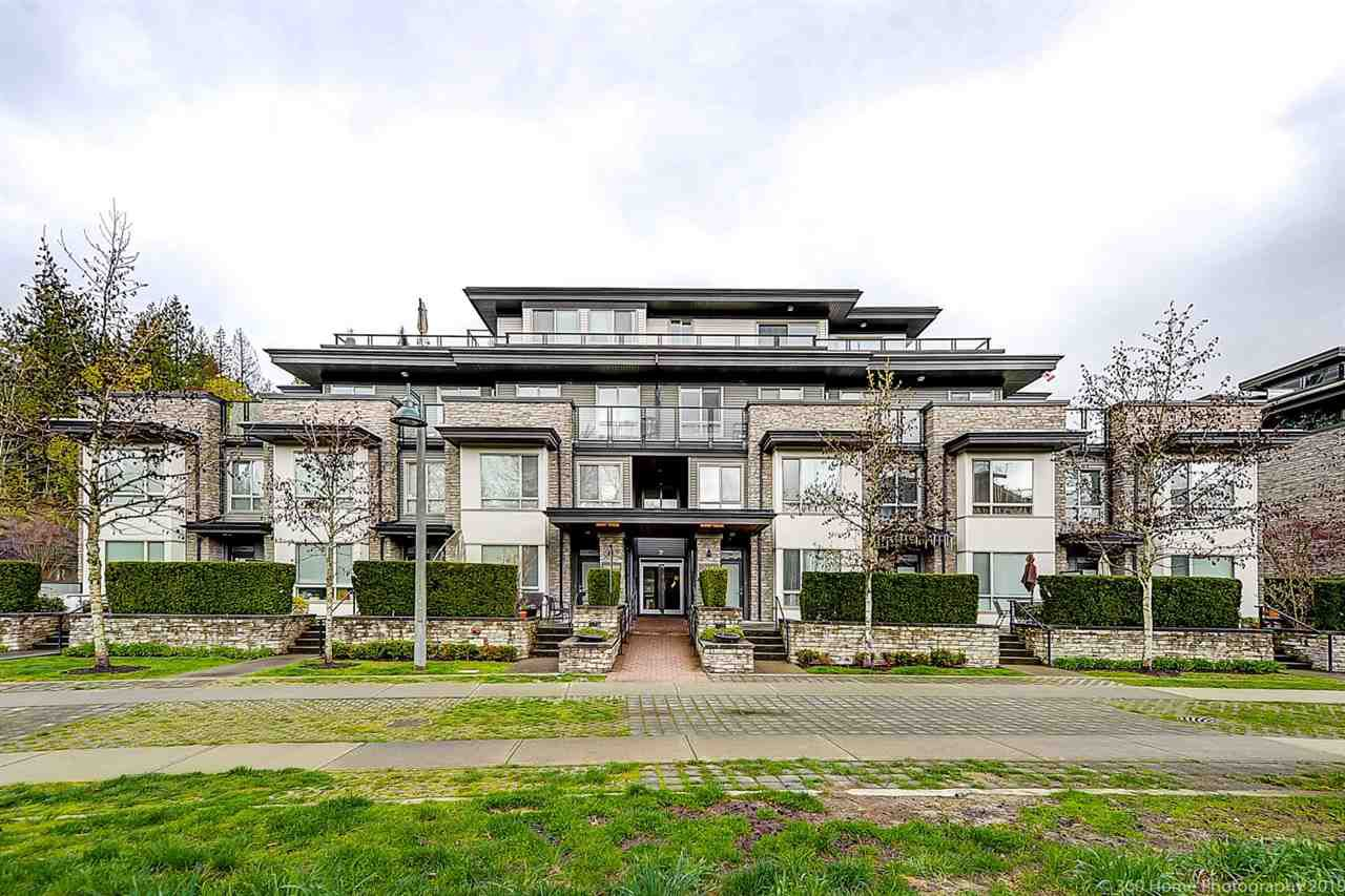 Main Photo: 102 7418 BYRNEPARK WALK in Burnaby: South Slope Townhouse for sale (Burnaby South)  : MLS®# R2356534