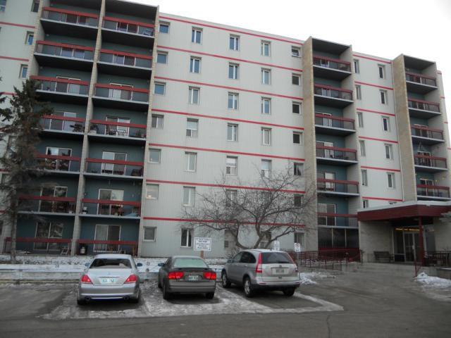 Main Photo: 35 Valhalla Drive in WINNIPEG: East Kildonan Condominium for sale (North East Winnipeg)  : MLS®# 1205530