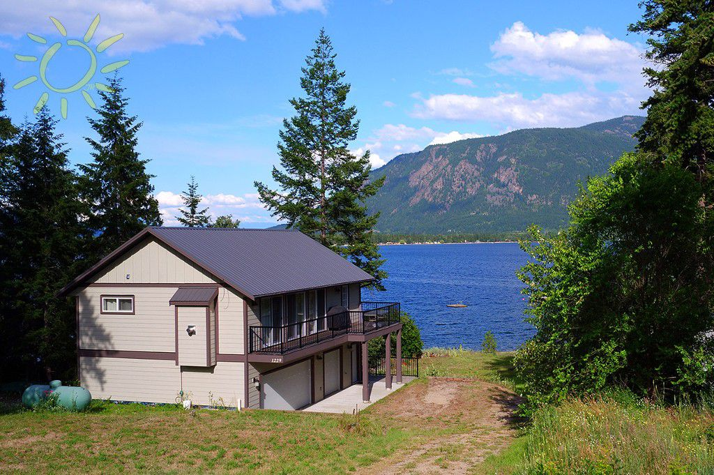 1229 Little Shuswap Lake Road