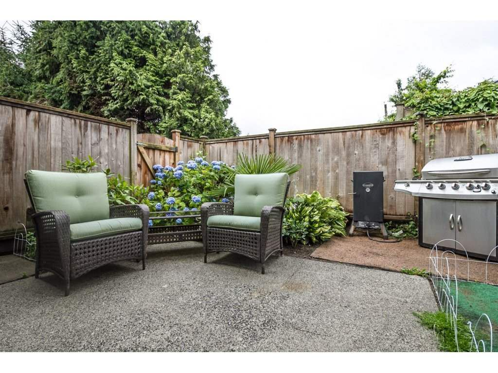 Main Photo: 25 4949 57 STREET in Delta: Hawthorne Townhouse for sale (Ladner)  : MLS®# R2084422