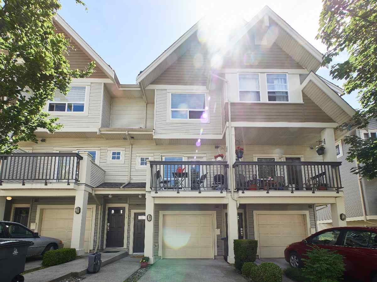 Main Photo: 13 15065 58 AVENUE in Surrey: Sullivan Station Townhouse for sale : MLS®# R2286371