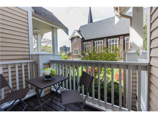 Photo 15: Photos: 212 E 10TH ST in North Vancouver: Central Lonsdale Condo for sale : MLS®# V1061557