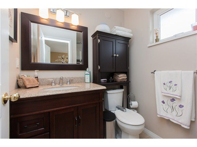 Photo 11: Photos: 212 E 10TH ST in North Vancouver: Central Lonsdale Condo for sale : MLS®# V1061557