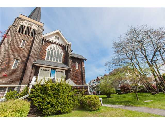 Photo 16: Photos: 212 E 10TH ST in North Vancouver: Central Lonsdale Condo for sale : MLS®# V1061557