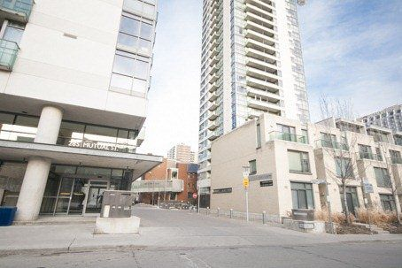 Main Photo: 281 Mutual St Unit #1902 in Toronto: Church-Yonge Corridor Condo for sale (Toronto C08)