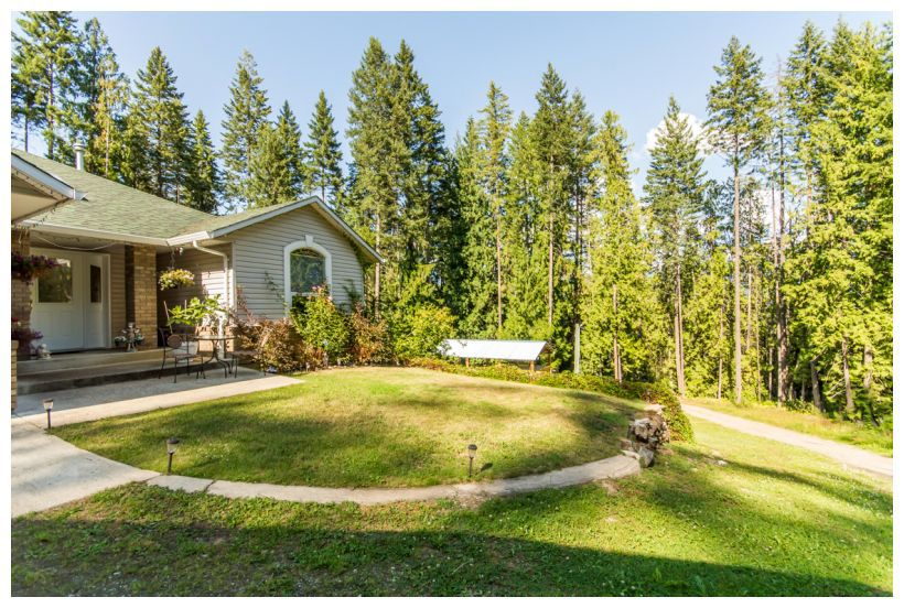 Main Photo: 272 Southeast Glenmary Road in Salmon Arm: Gardom Lake House for sale (SE Salmon Arm)  : MLS®# 10122169